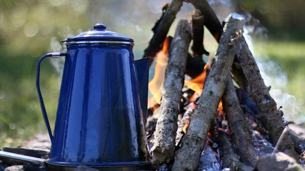 how to start a fire in the woods